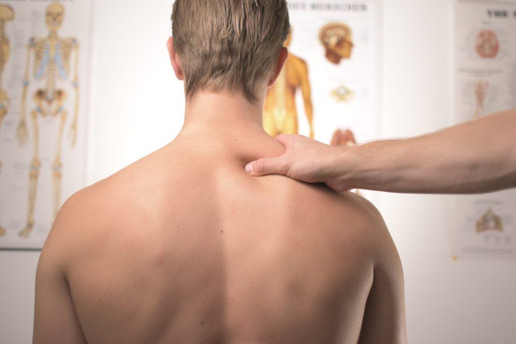 les huiles essentielles de la gestion des douleurs dorsales